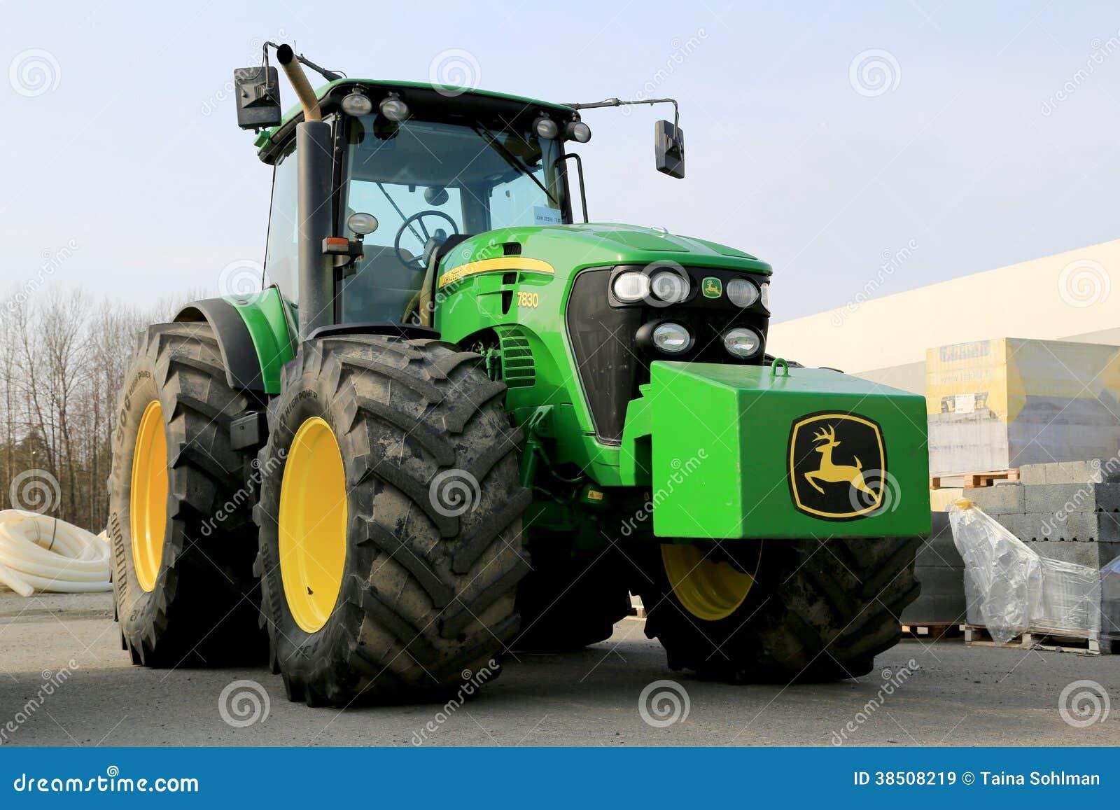tracteur agricole de john deere 7830 image stock ditorial image du agriculture affermage. Black Bedroom Furniture Sets. Home Design Ideas