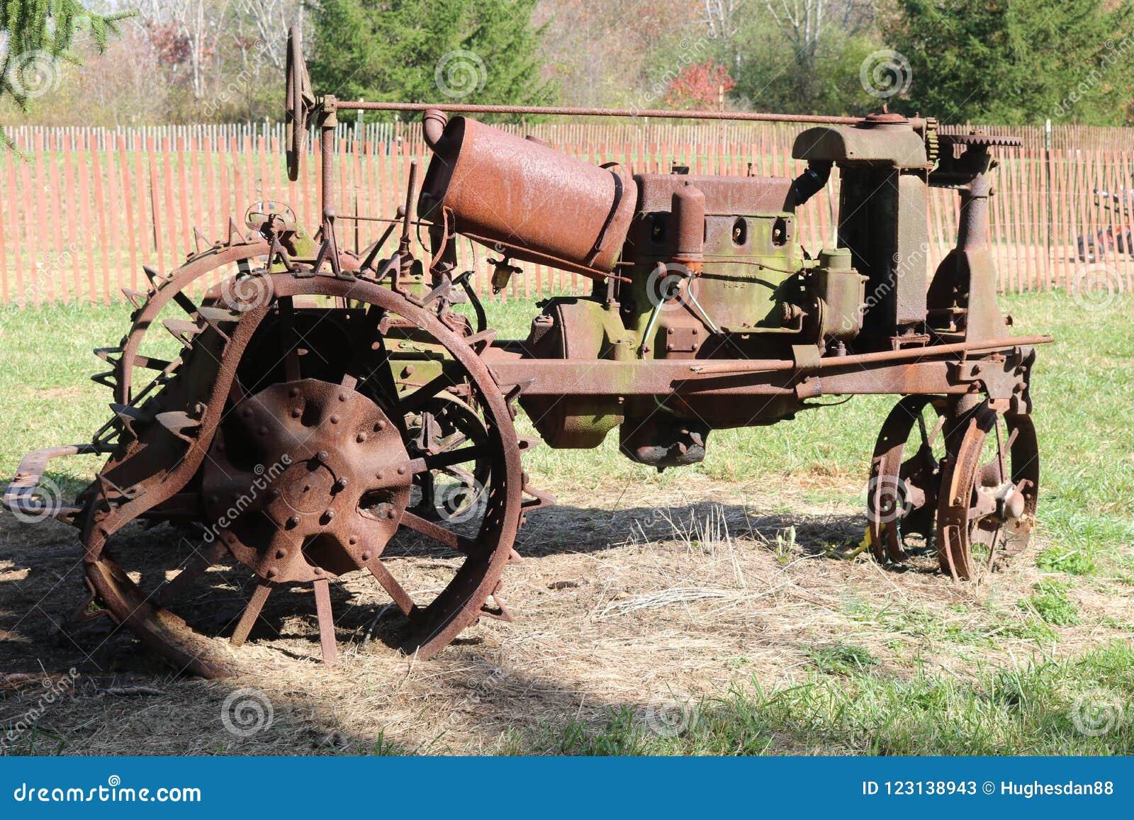 Tracteur antique