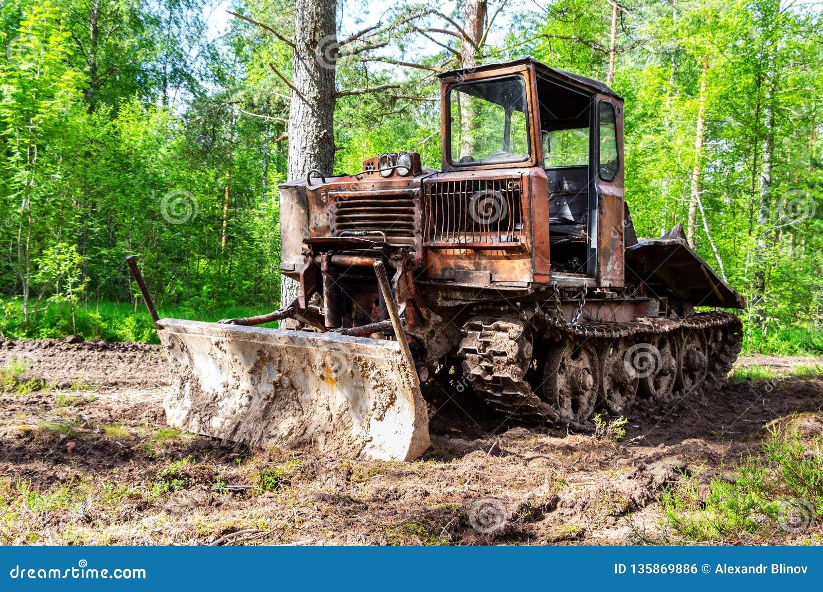 Tracteur de ensabotage pour l industrie de bois de construction à la forêt