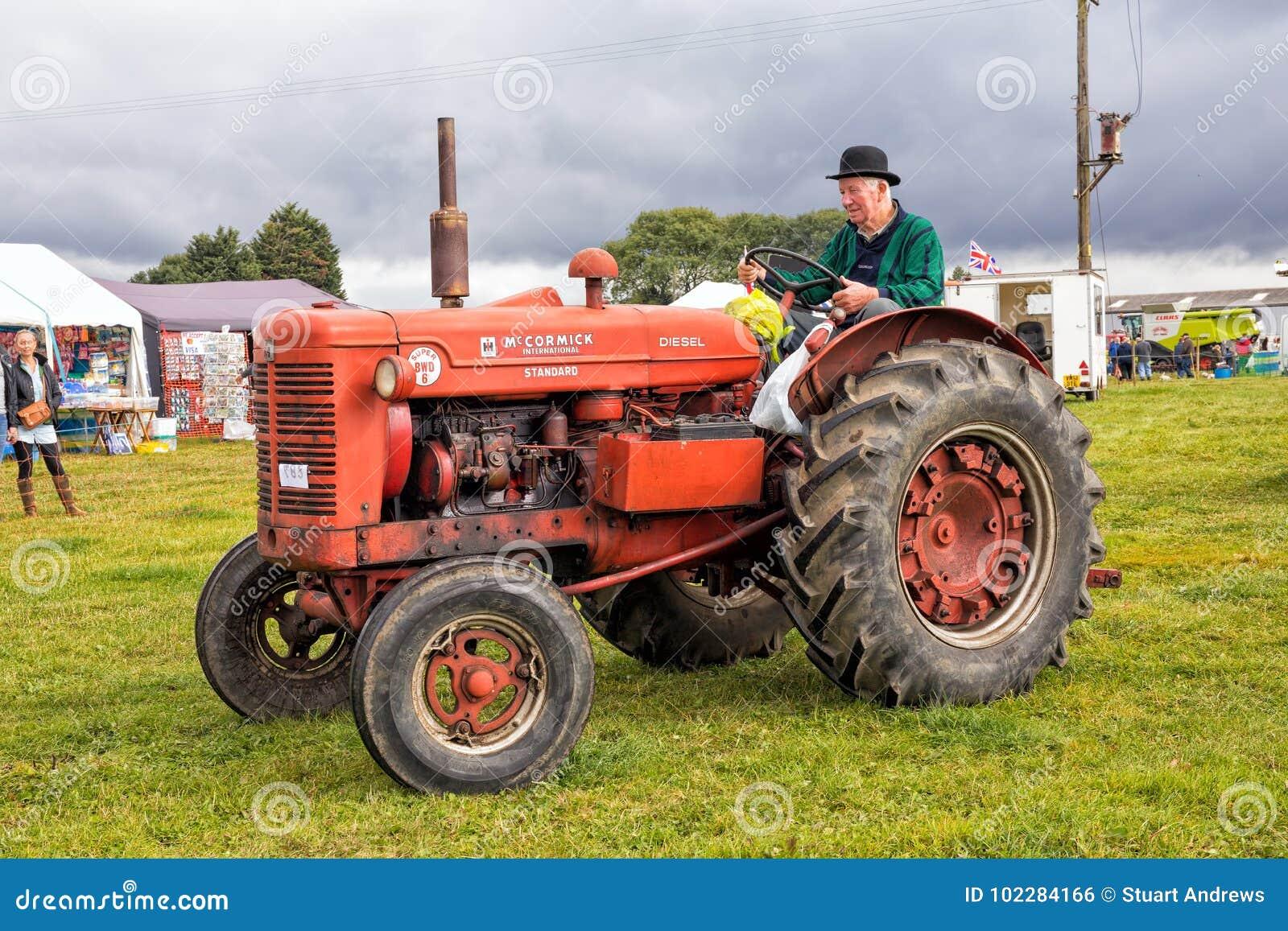 Tracteur superbe de McCormick - de Deering BWD 6
