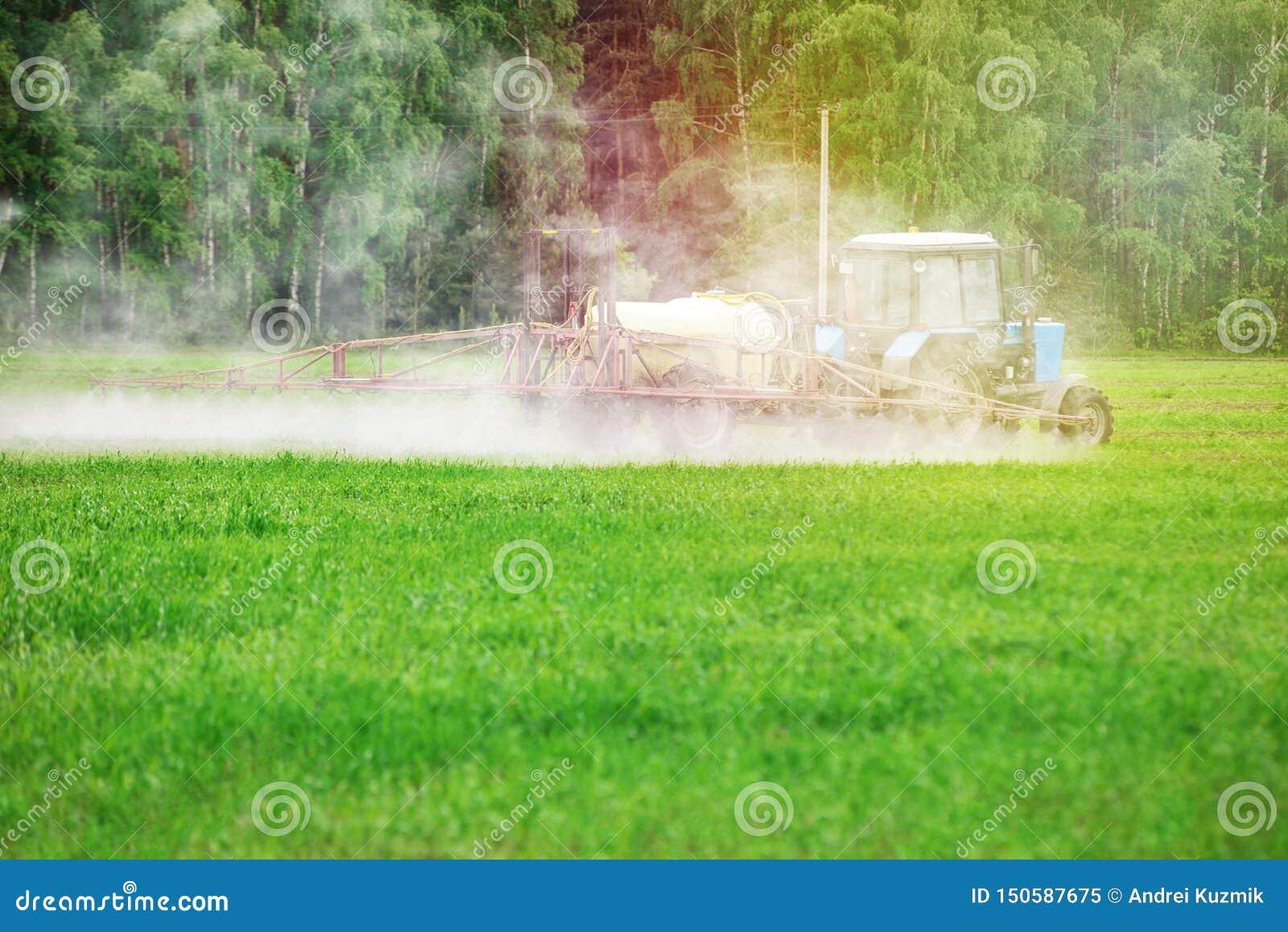 Tractror opryskiwania pestycydy, flit lub herbicydy,