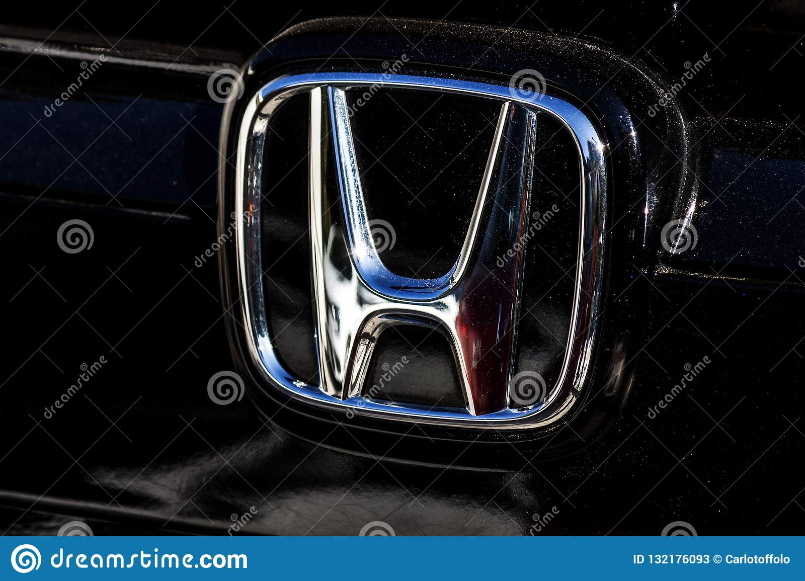 The Trademark Symbol Of Honda In The Frontside Of A Black Car Photography Editorial Stock Photo Image Of Shiny Engineering 132176093