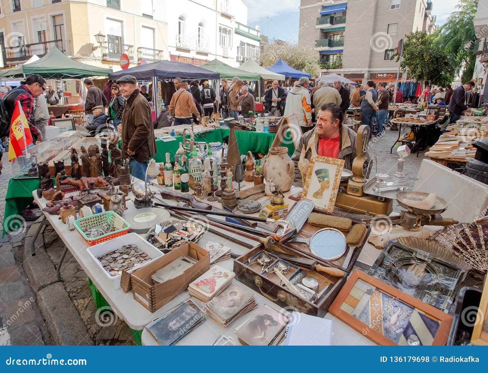 Traders Of Vintage Stuff Old Postacards On The Flea Market