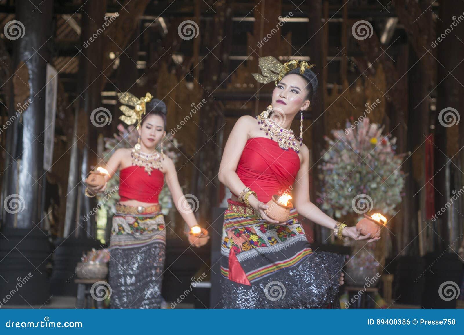 TRADIÇÃO DE TAILÂNDIA CHIANG RAI BAANDAM