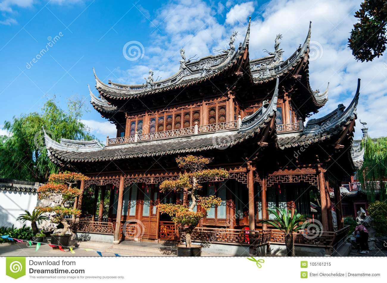Traditional Chinese Architecture At The Shanghai Yuyuan Park
