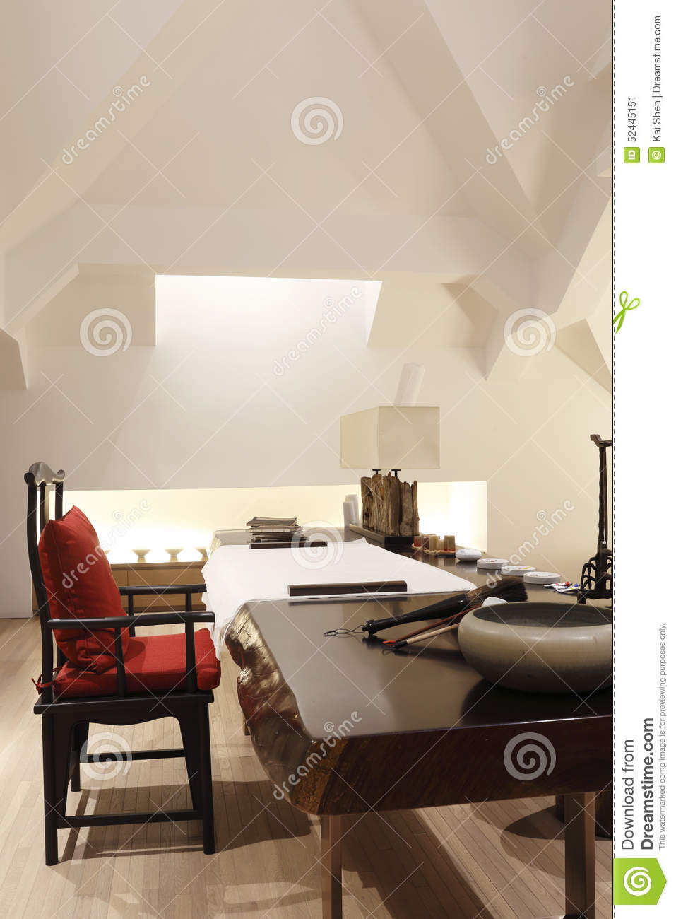 The Traditional Chinese Style Of Study Room In The Attic ...