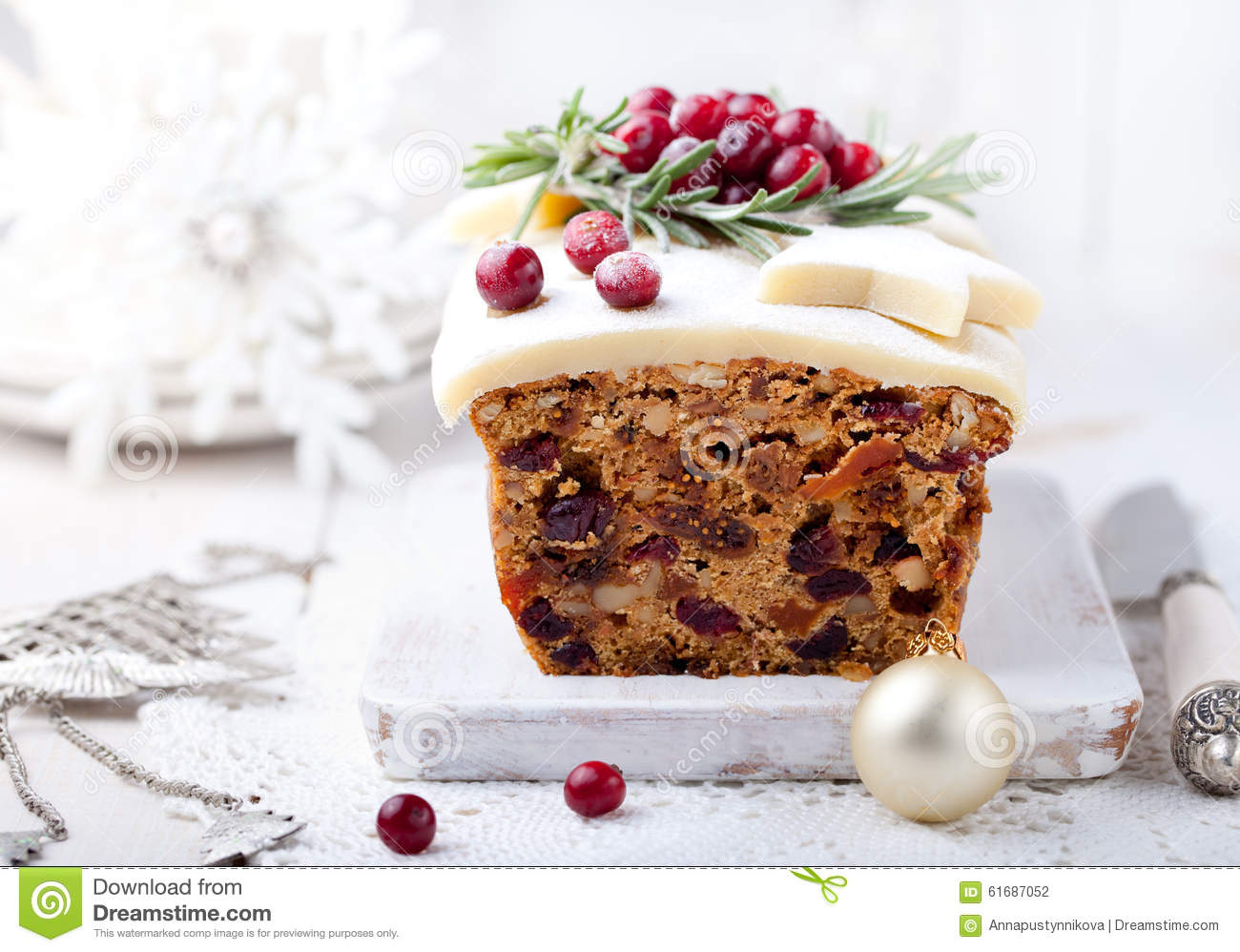 Cranberry And Marzipan Cake