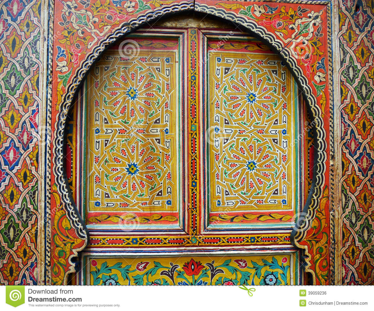Traditional colourfully painted moroccan door stock photo for Decoration fenetre marocaine