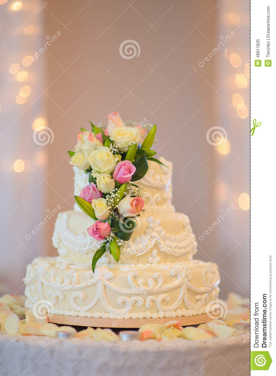 Traditional And Decorative Wedding Cake At Wedding Reception Stock ...