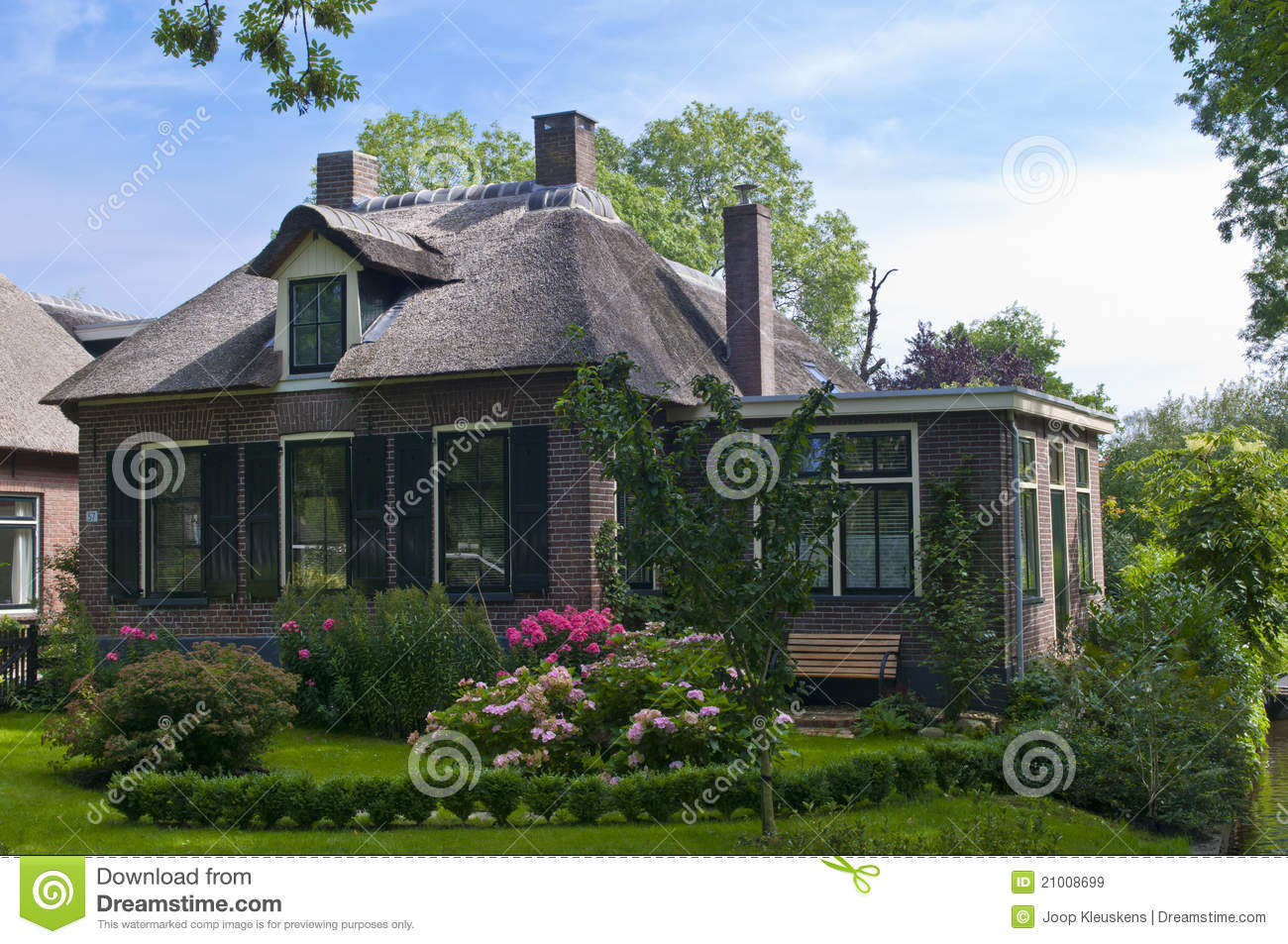 Traditional dutch house stock image image of garden for Classic dutch house of 60m2