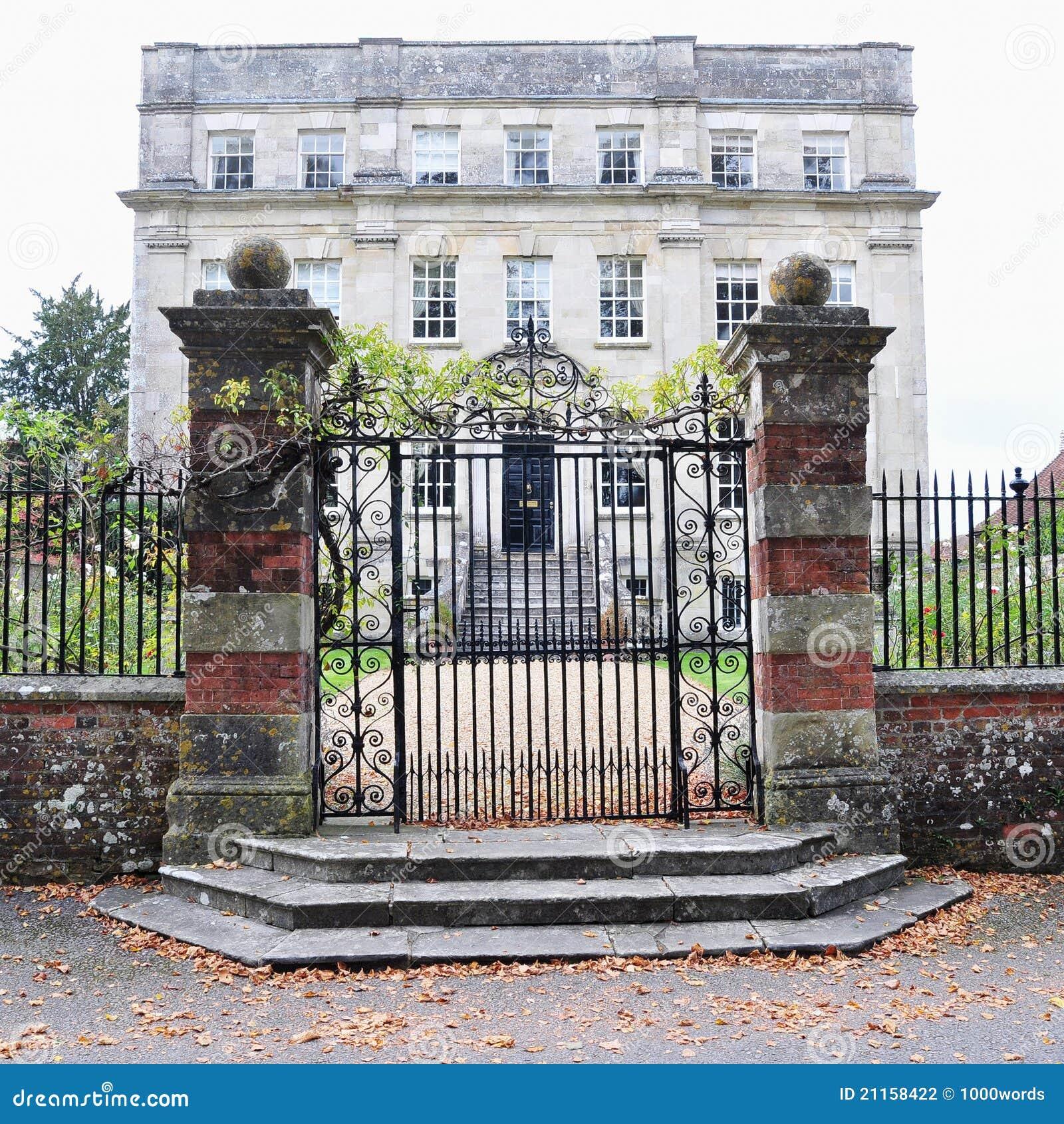 Traditional English Mansion Stock Photo - Image of gateway ...