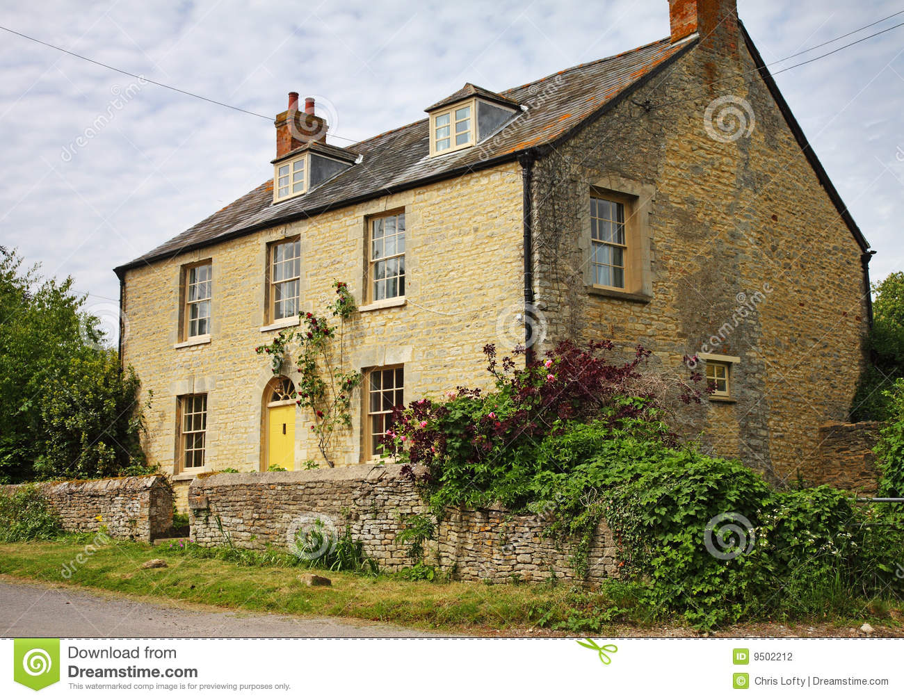 Traditional English Rural Farmhouse Stock graphy Image