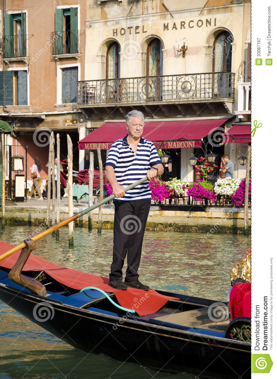 Traditional Gondola Rower In Venice, Italy Editorial Photography - Image: 33087197