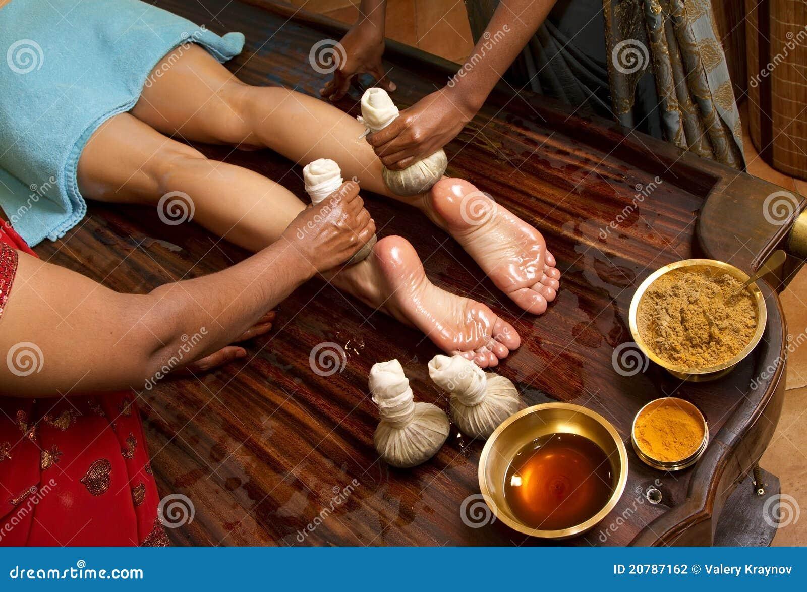 Traditionel indisk ayurvedisk oliemund massage Stockfoto - Billede af medicin, skønhed-7204