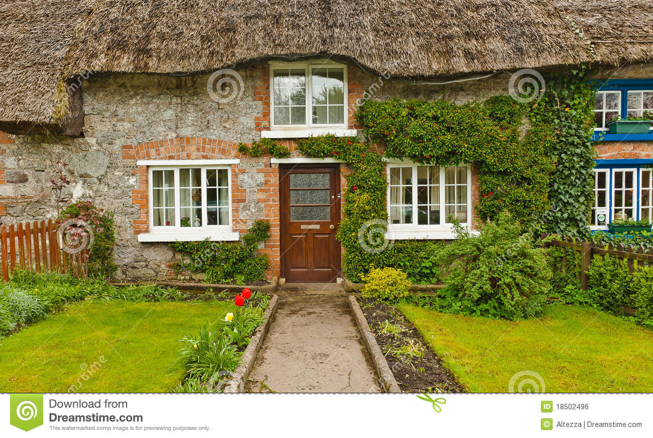 Traditional irish thatched cottage ireland stock photo for Traditional irish cottage designs