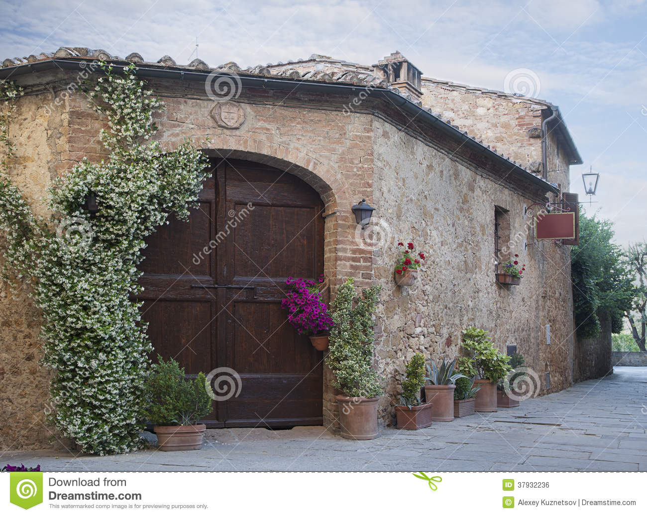 Traditional italian house stock photo image of nobody for Italian house
