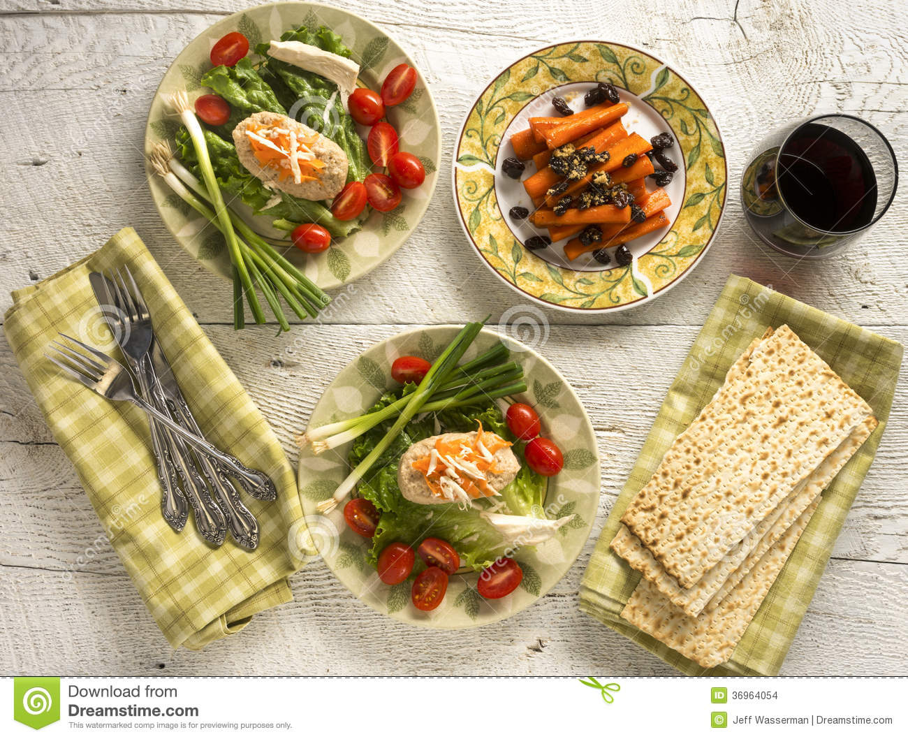 Traditional jewish passover dishes of gefilte fish and for Jewish fish dish