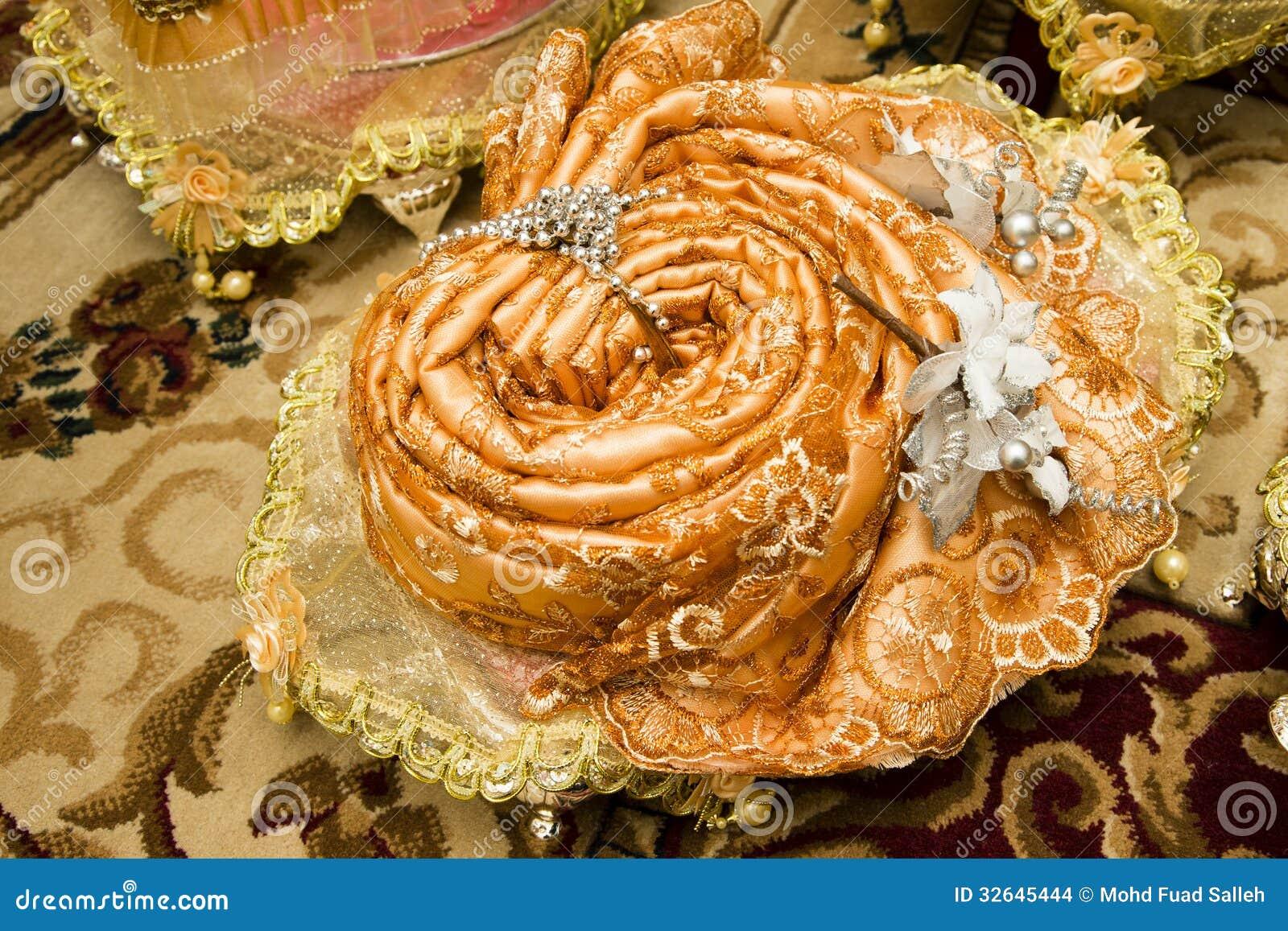 Malay Wedding Gift Exchange : -malay-wedding-present-gift-exchange-bride-groom-ceremony-malaysia ...