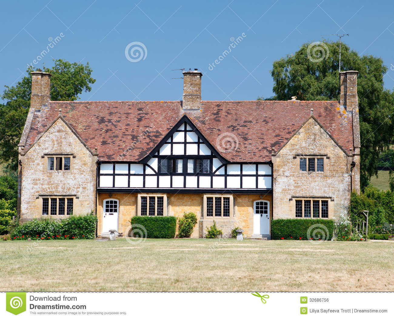 Traditional Medieval English Mansion Built In Tudor Style ...
