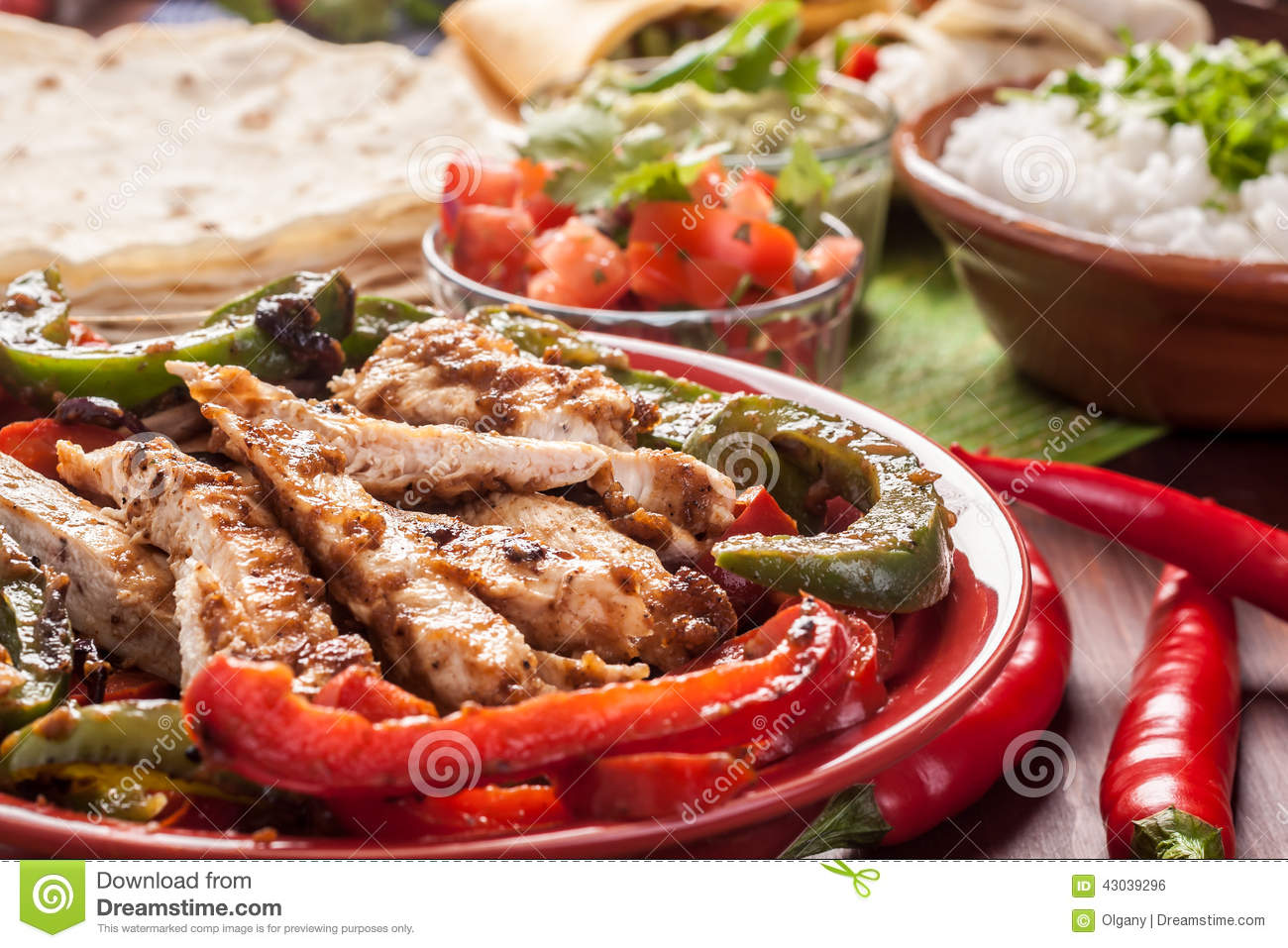 Traditional mexican food stock photo image 43039296 - Cuisine mexicaine fajitas ...