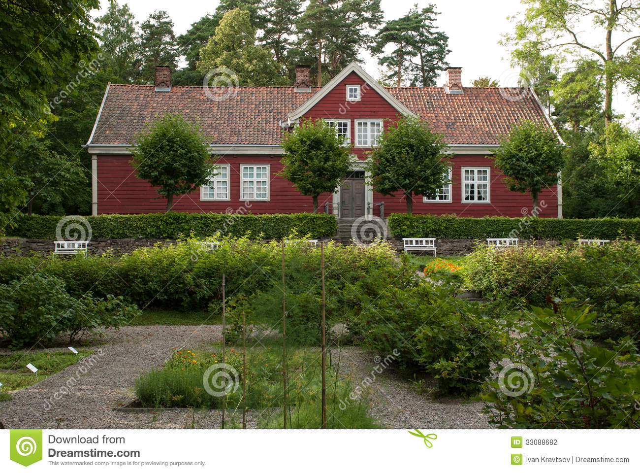 Traditional Norwegian House Stock Photo Image Of House Green 33088682