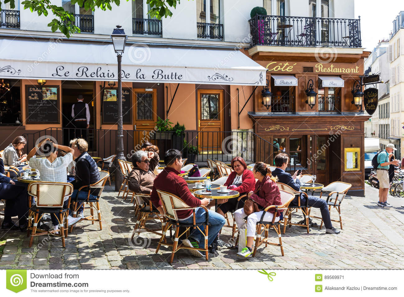 A Traditional Restaurant In The Butte Montmartre Paris France Editorial Photo Image Of Outside Outdoor 89569971