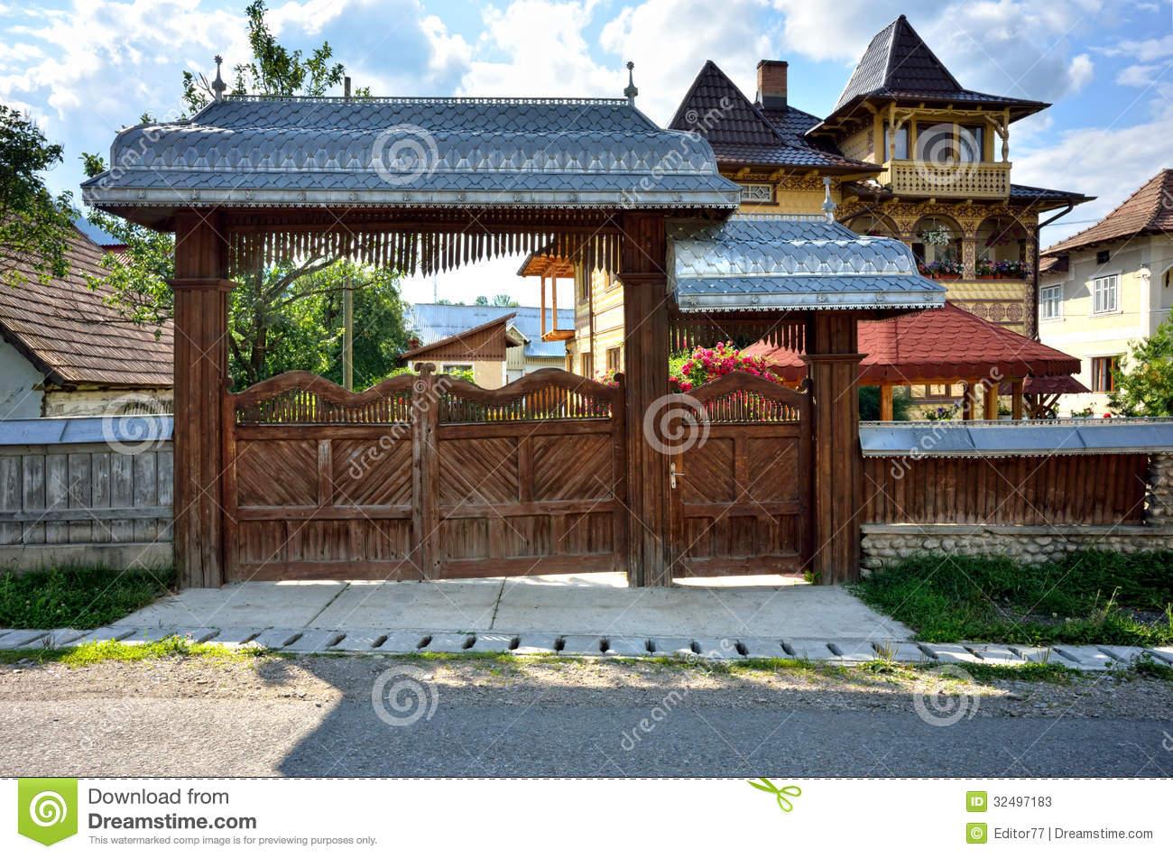 Traditional romanian house gate stock photos image 32497183 - Houses bucovina traditional architecture ...