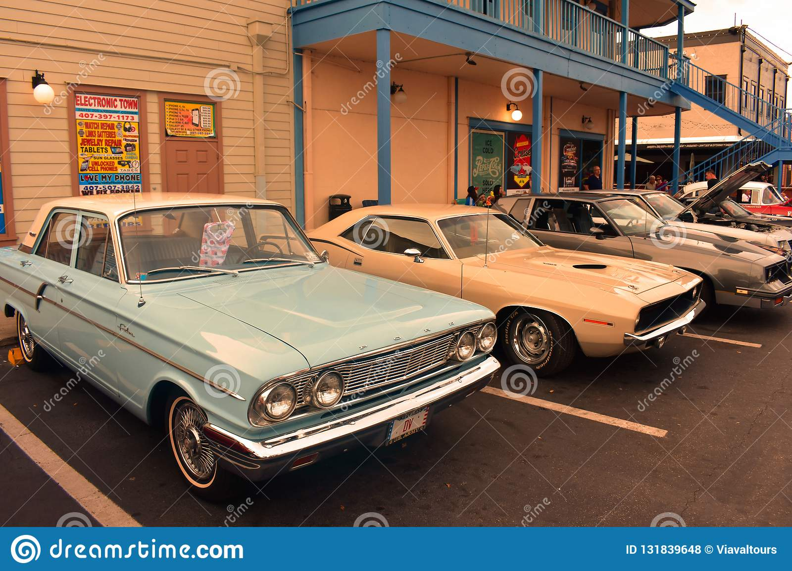 Traditional Saturday Nite Classic Car Show Is A Weekend Tradition