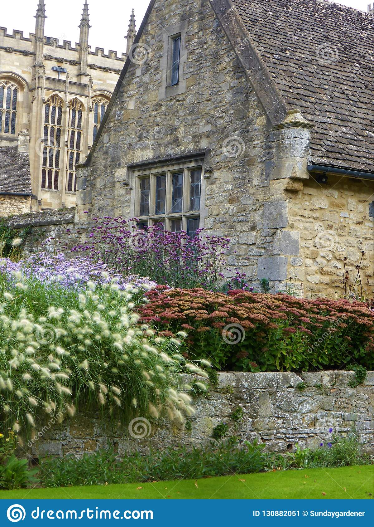 Traditional Stone Oxford House And Garden Stock Image Image Of