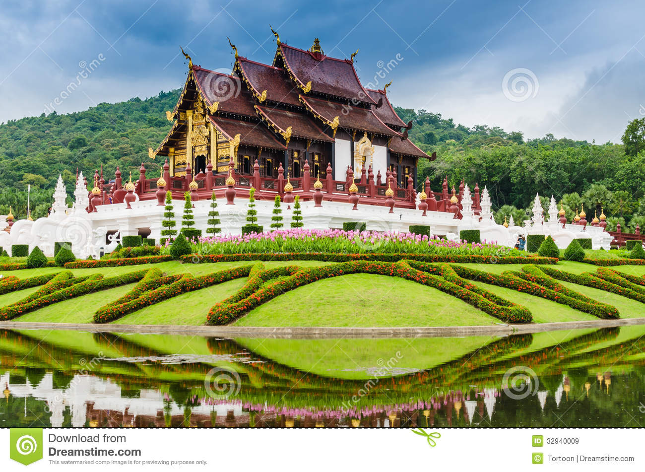 Traditional thai architecture in the lanna style royal for Thailand architecture