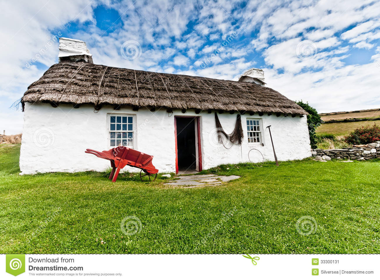 Traditional Thatched Cottage Stock Image Image 33300131