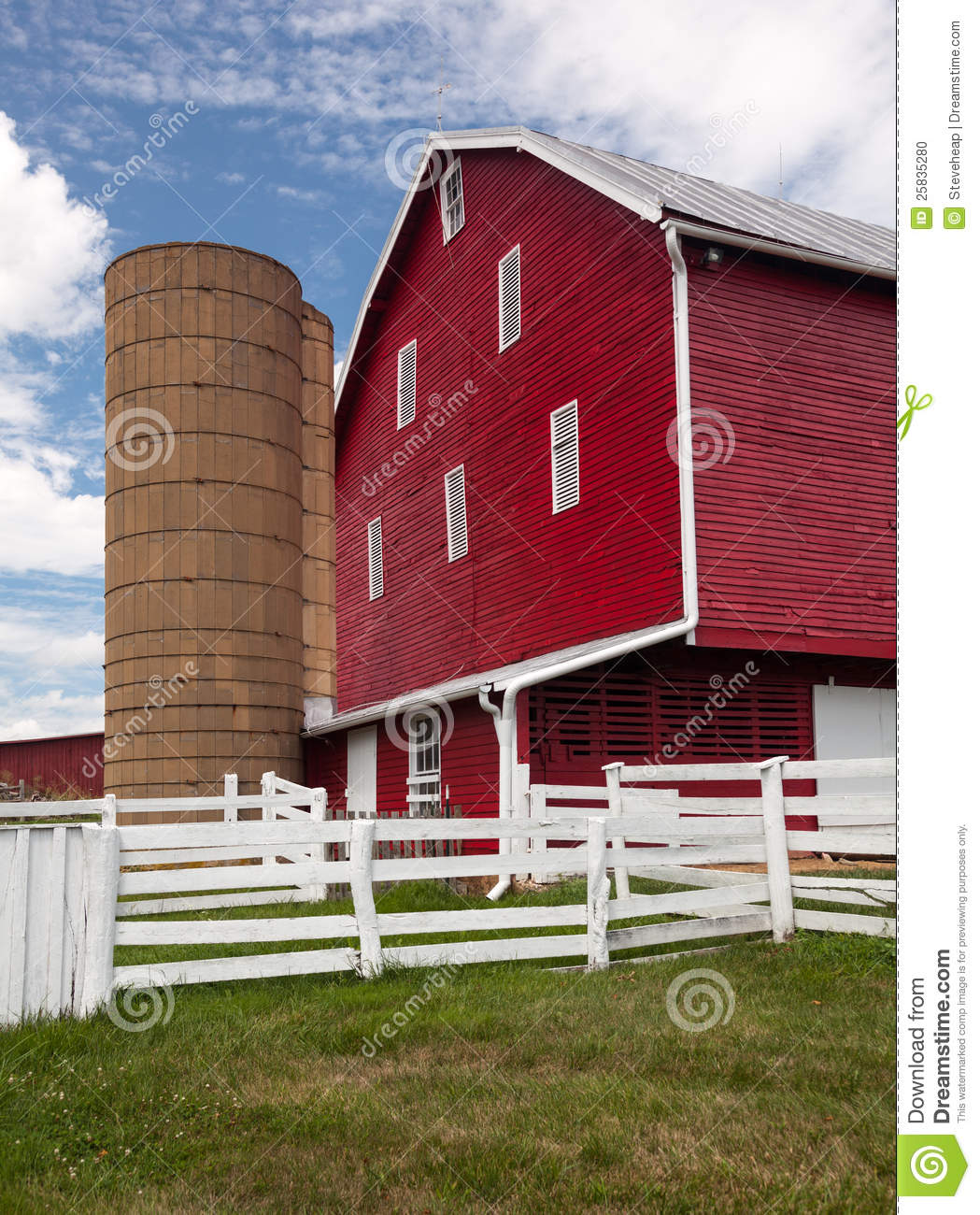 Traditional us red painted barn on farm stock photo image 25835280 - Rustic wood fences a pastoral atmosphere ...