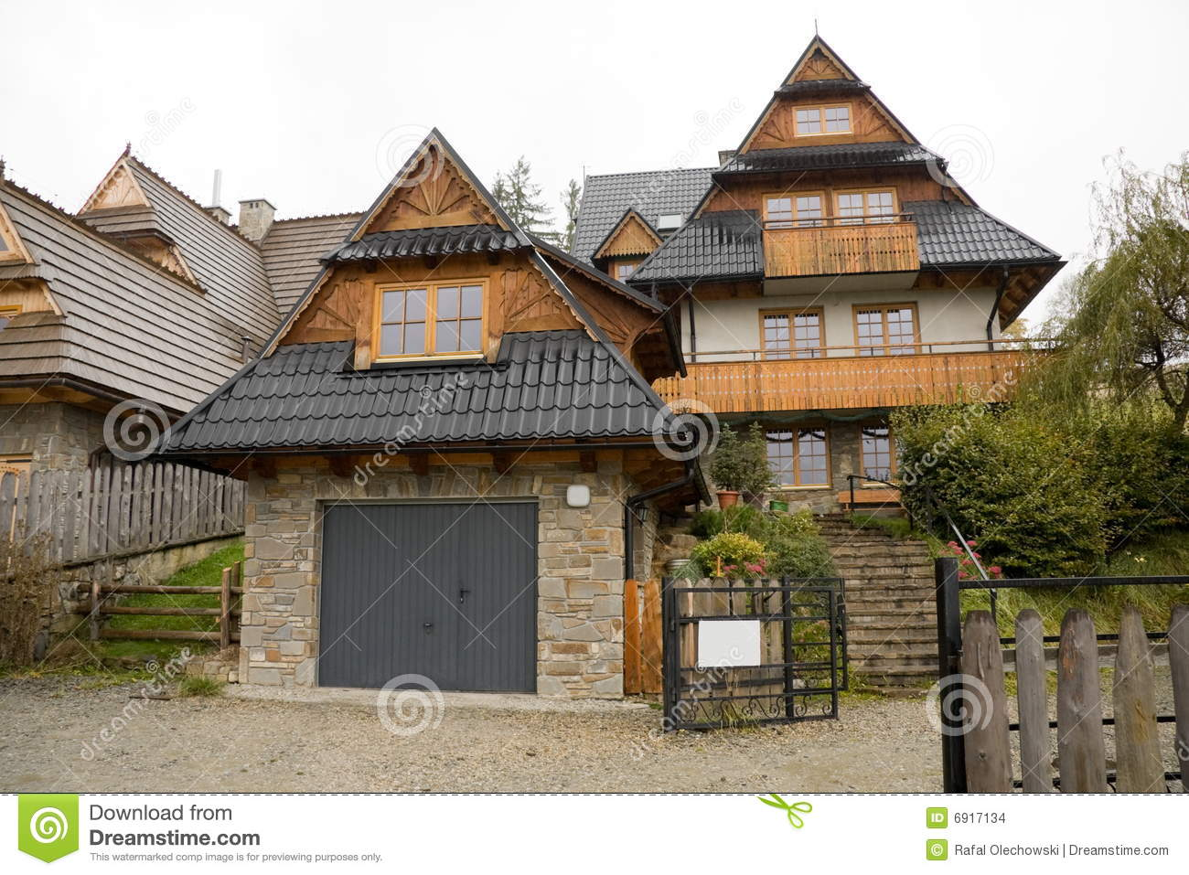 Traditional wooden house in mountains stock images image 6917134 - Traditional polish houses wood mastership ...