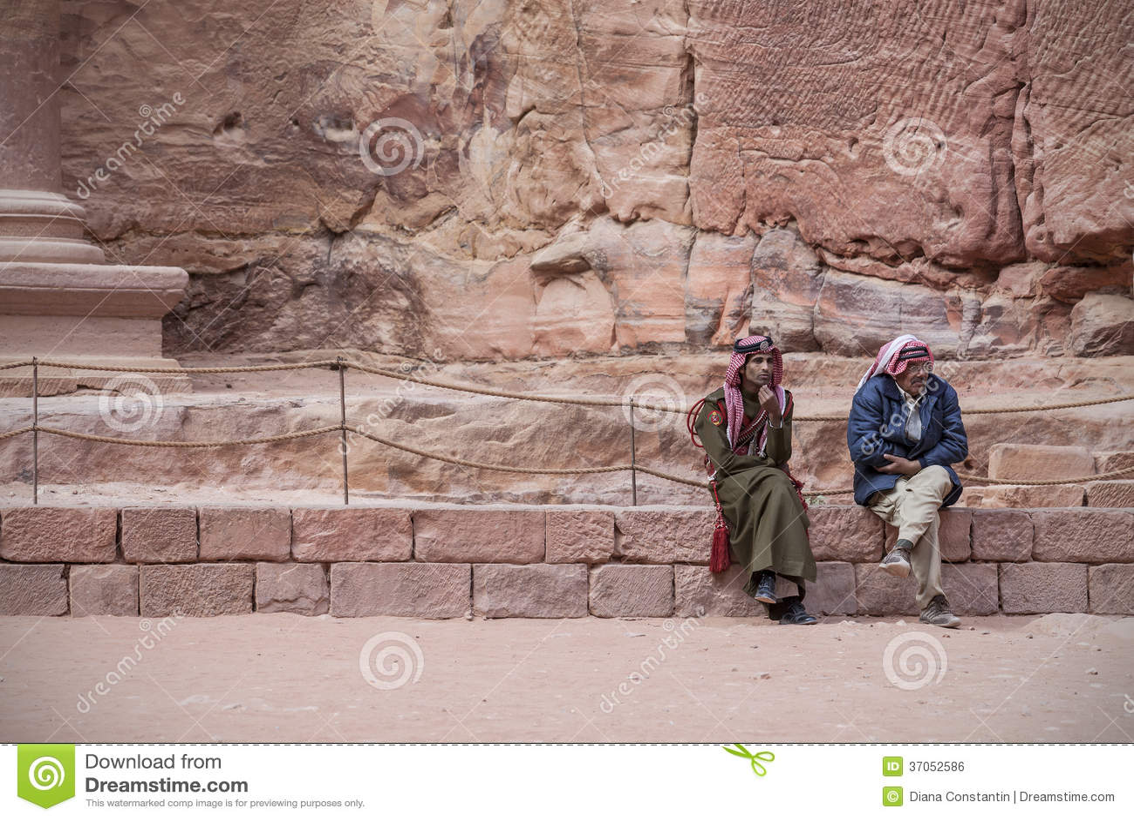 Traditioneel geklede Bedouins