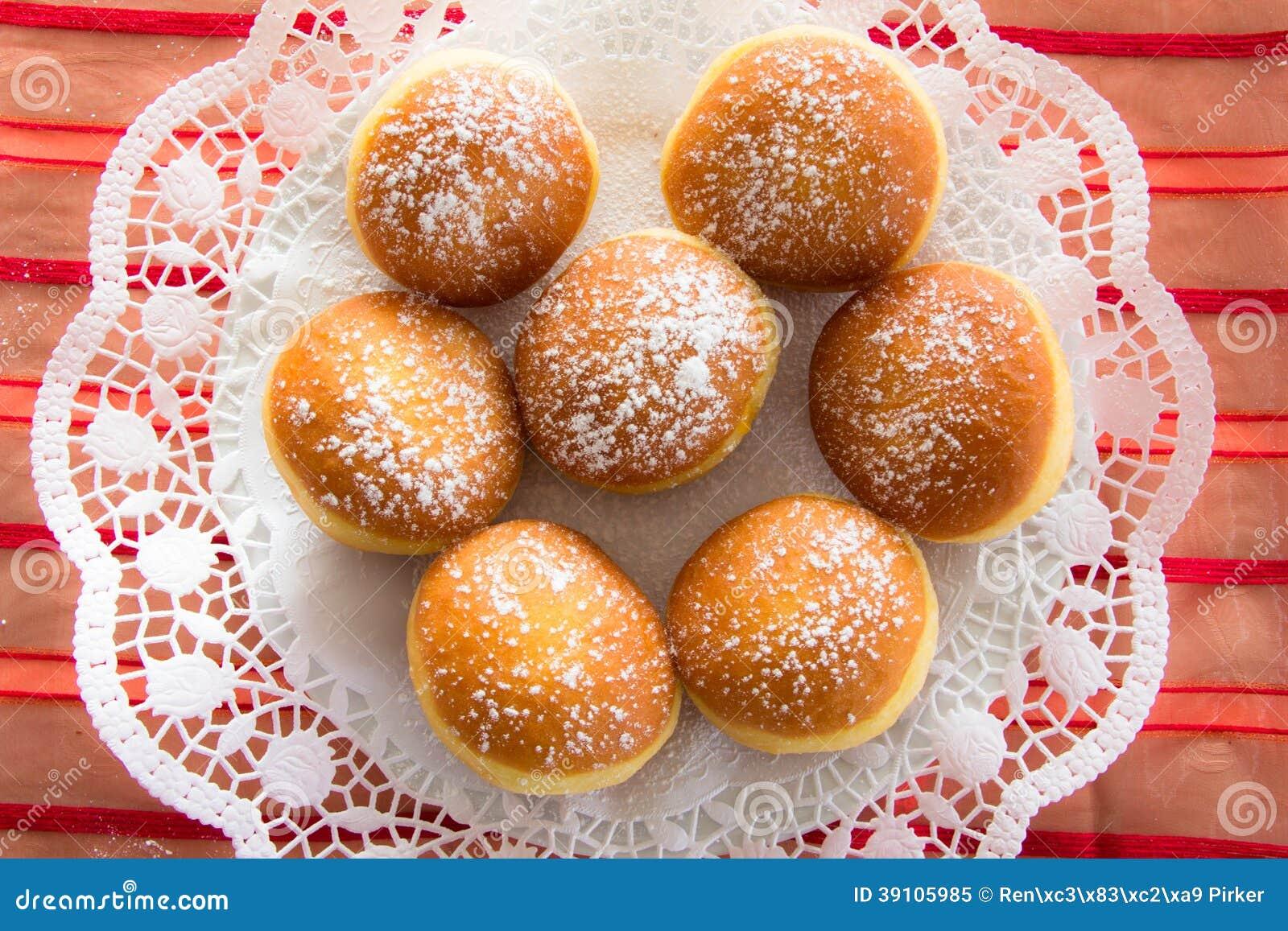 Traditioneel Karinthisch Carnaval Donuts