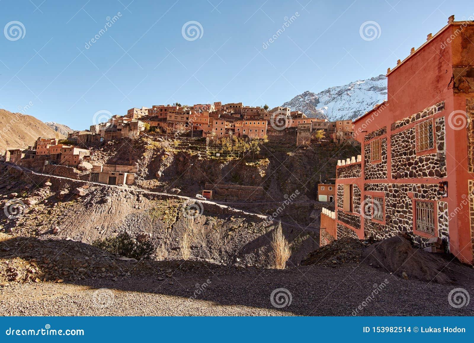 Traditioneel Marokkaans bergdorp in Hoge Atlasbergen