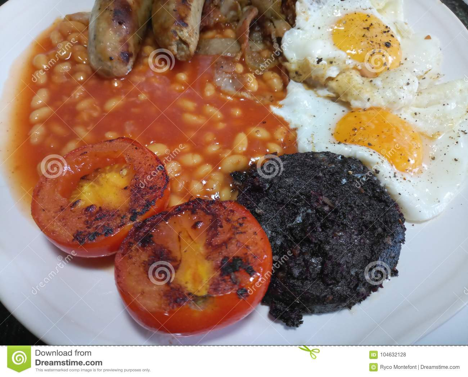 Download Traditioneel Volledig Engels Heet En Vers Gekookt Ontbijt Stock Foto - Afbeelding bestaande uit traditioneel, engels: 104632128