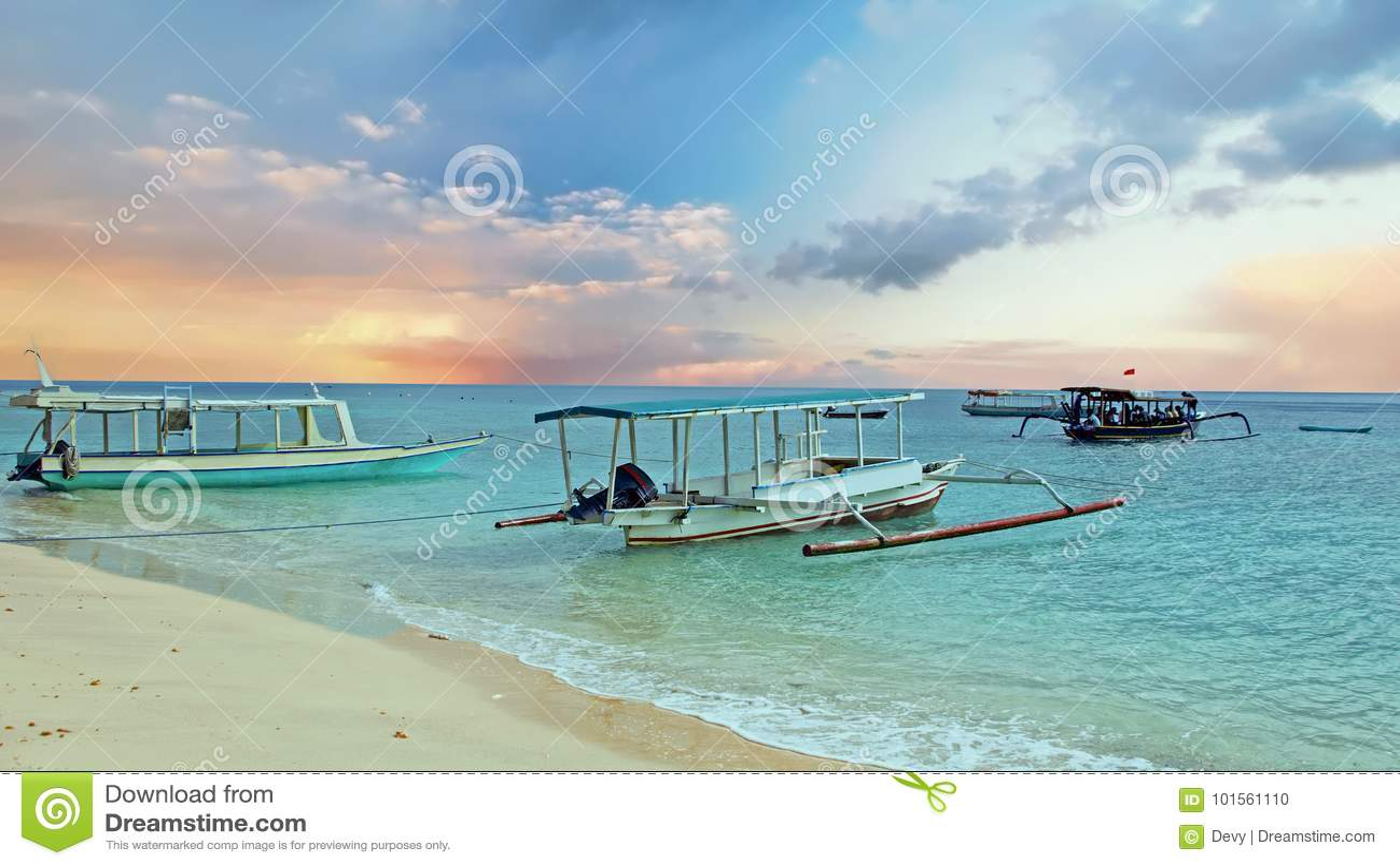 Traditionele boten op Gili Meno-strand in Indonesië, Azië