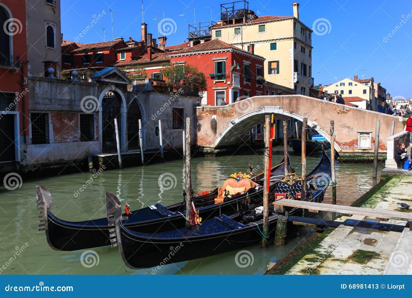 Traditionele Gondels in Venetië