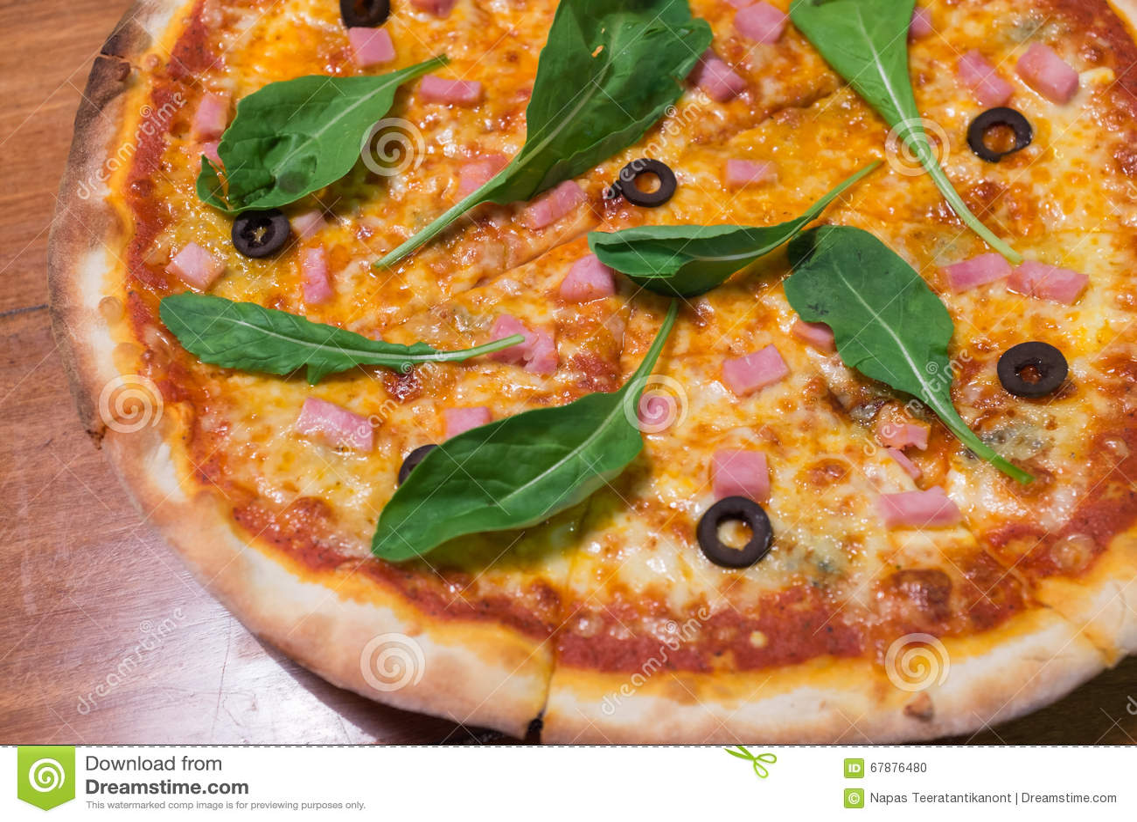 Traditionele houten brandwond Italiaanse pizza