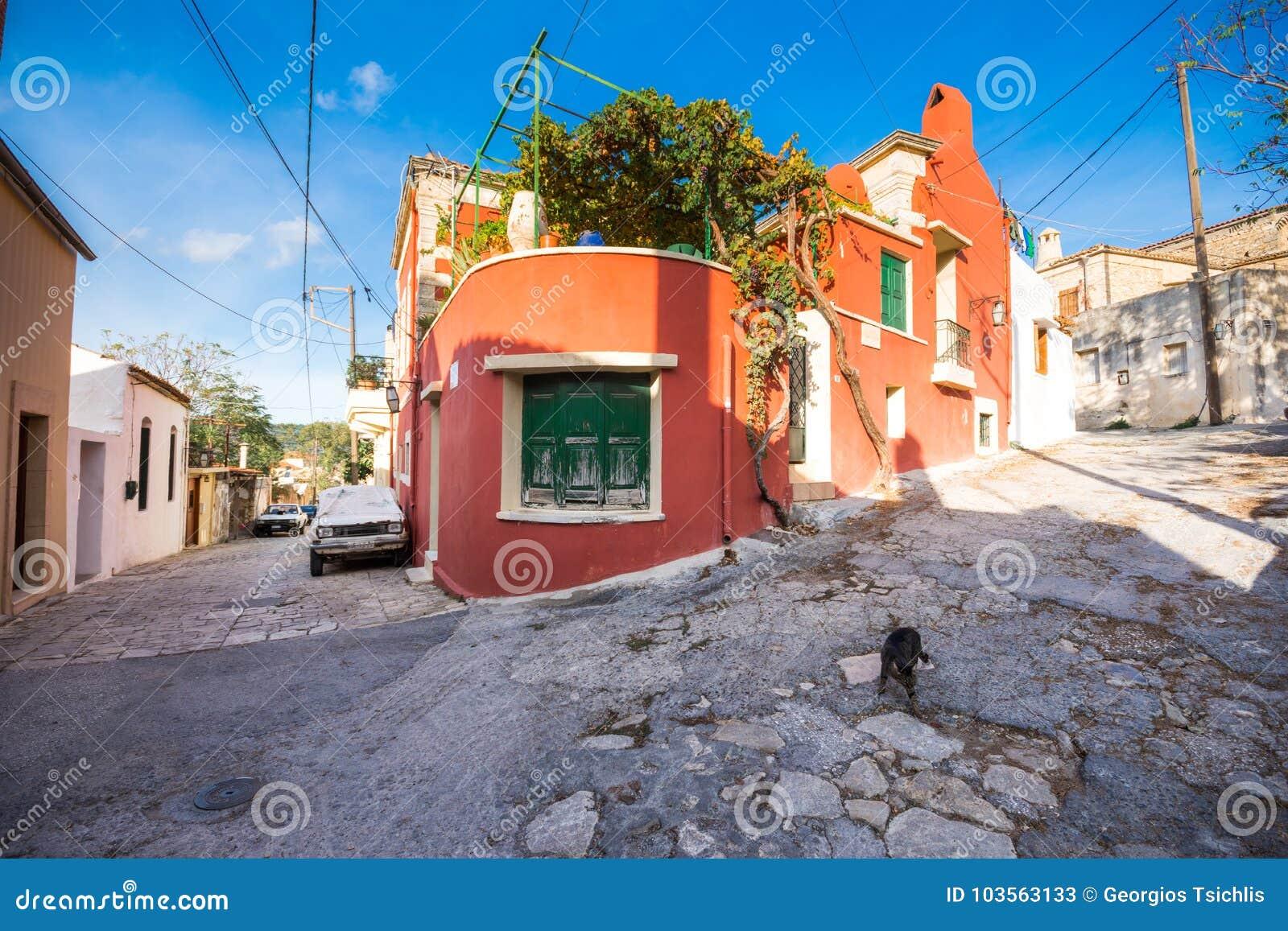 Traditionele huizen en oude gebouwen bij het dorp van Archanes, Heraklion, Kreta