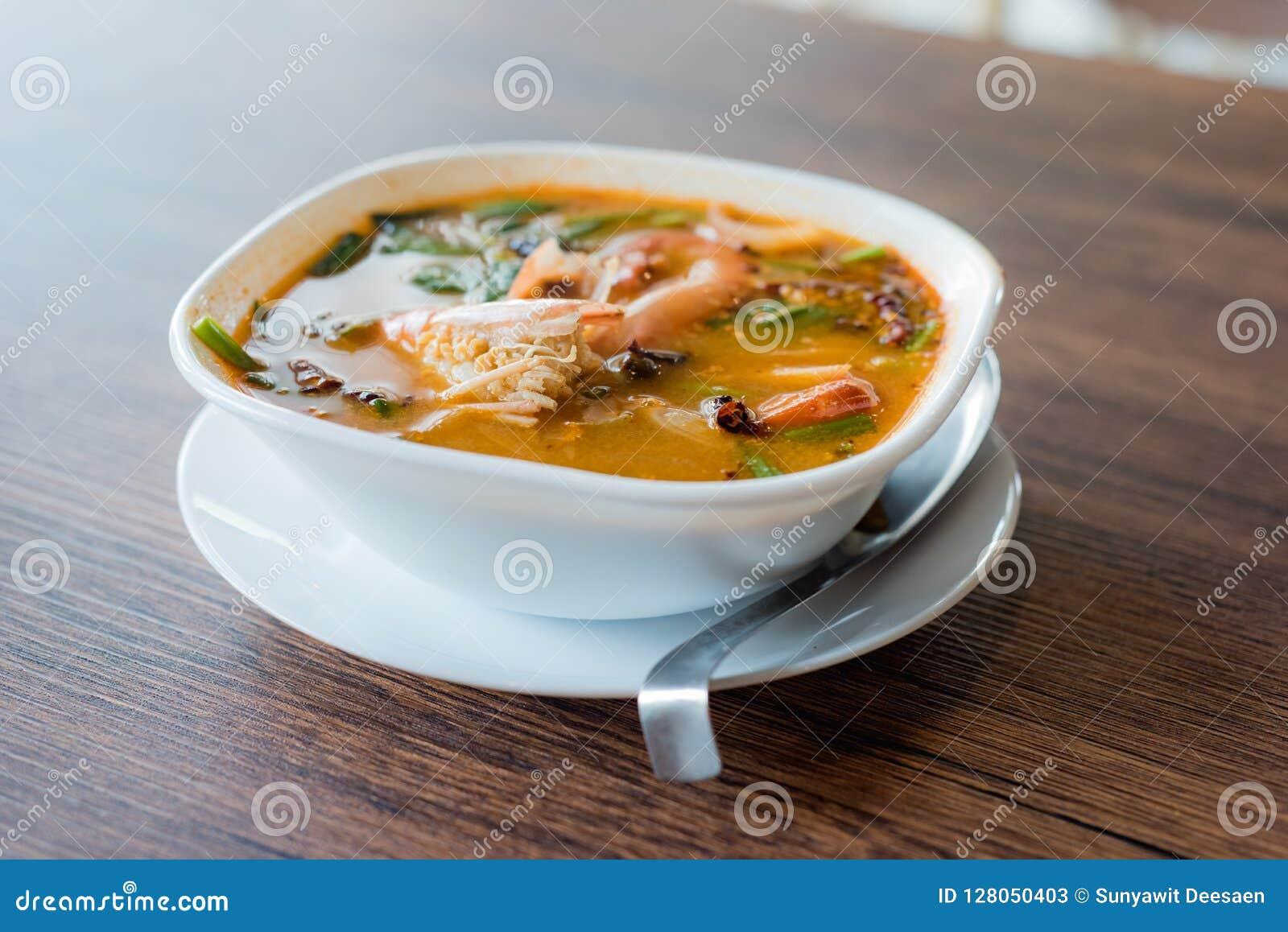 Traditionele Thaise de garnalen kruidige soep van de Voedselrivier, Tom Yum Goong, Tha