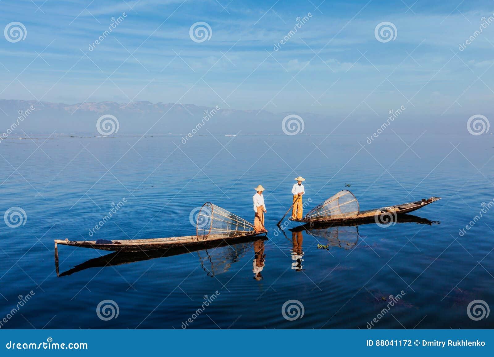 Traditionell Burmese fiskare på Inle sjön, Myanmar
