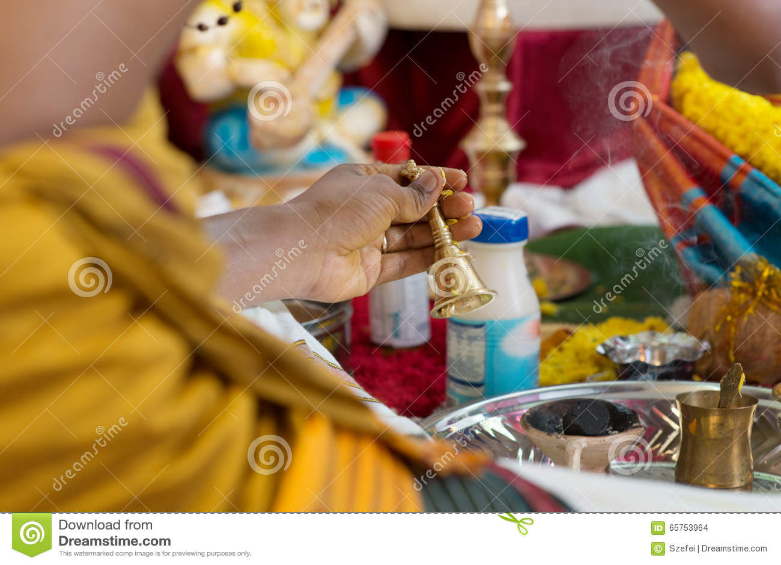 Traditionell ceremoni för indierHindus välsignelse