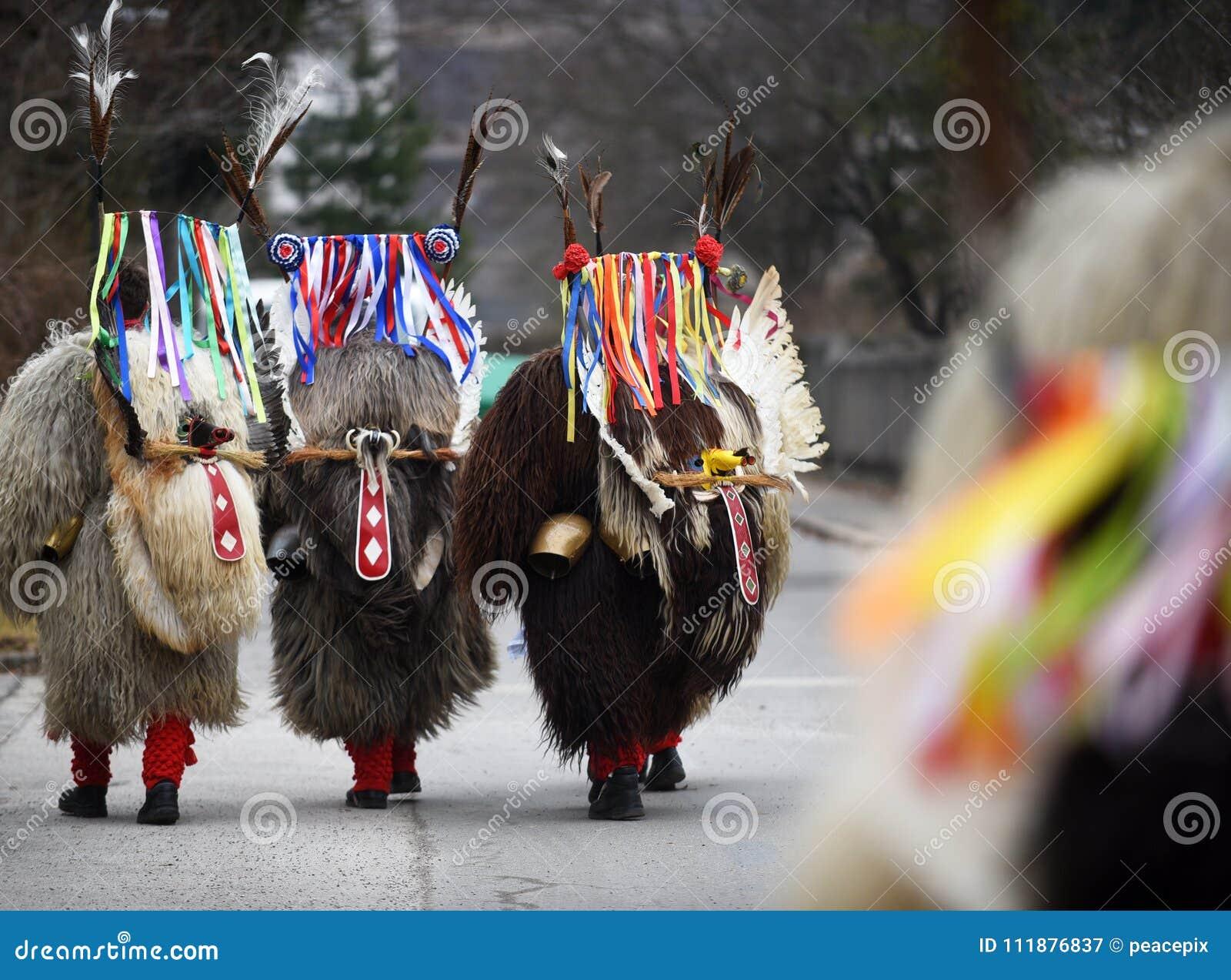 Traditionell mardigrasdräkt från Slovenien Europa: kurent