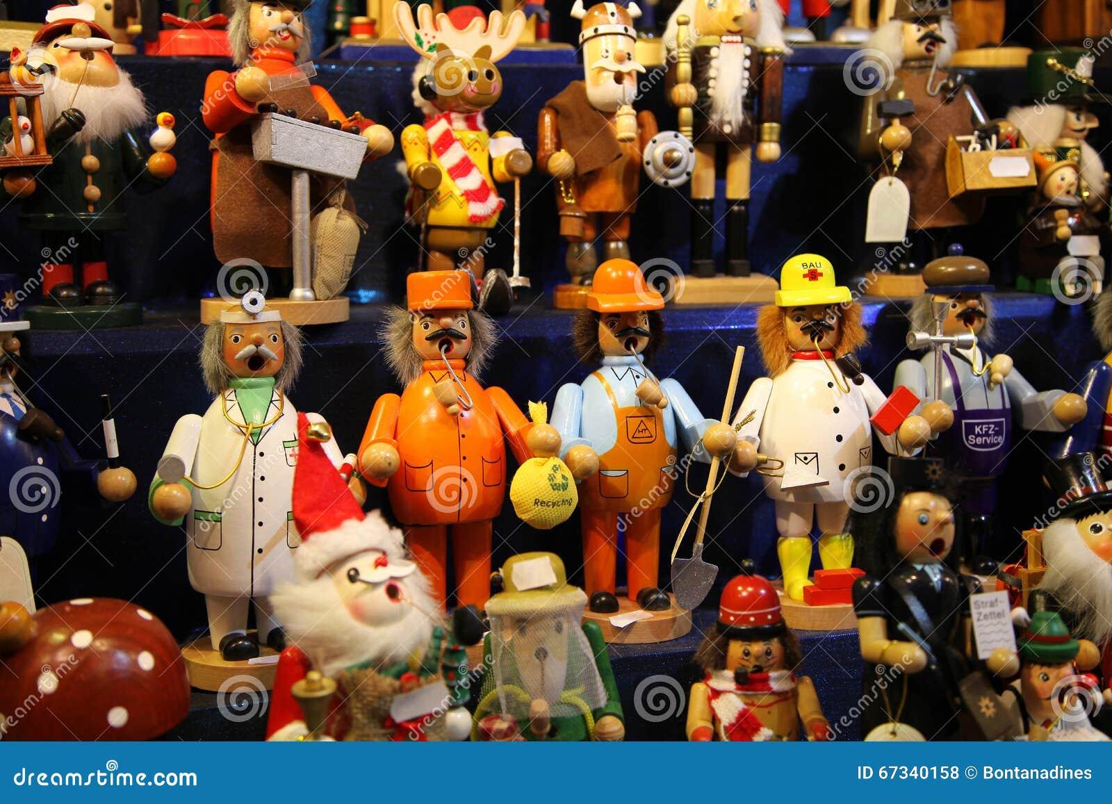 Traditionella tyska träleksaker på mässan