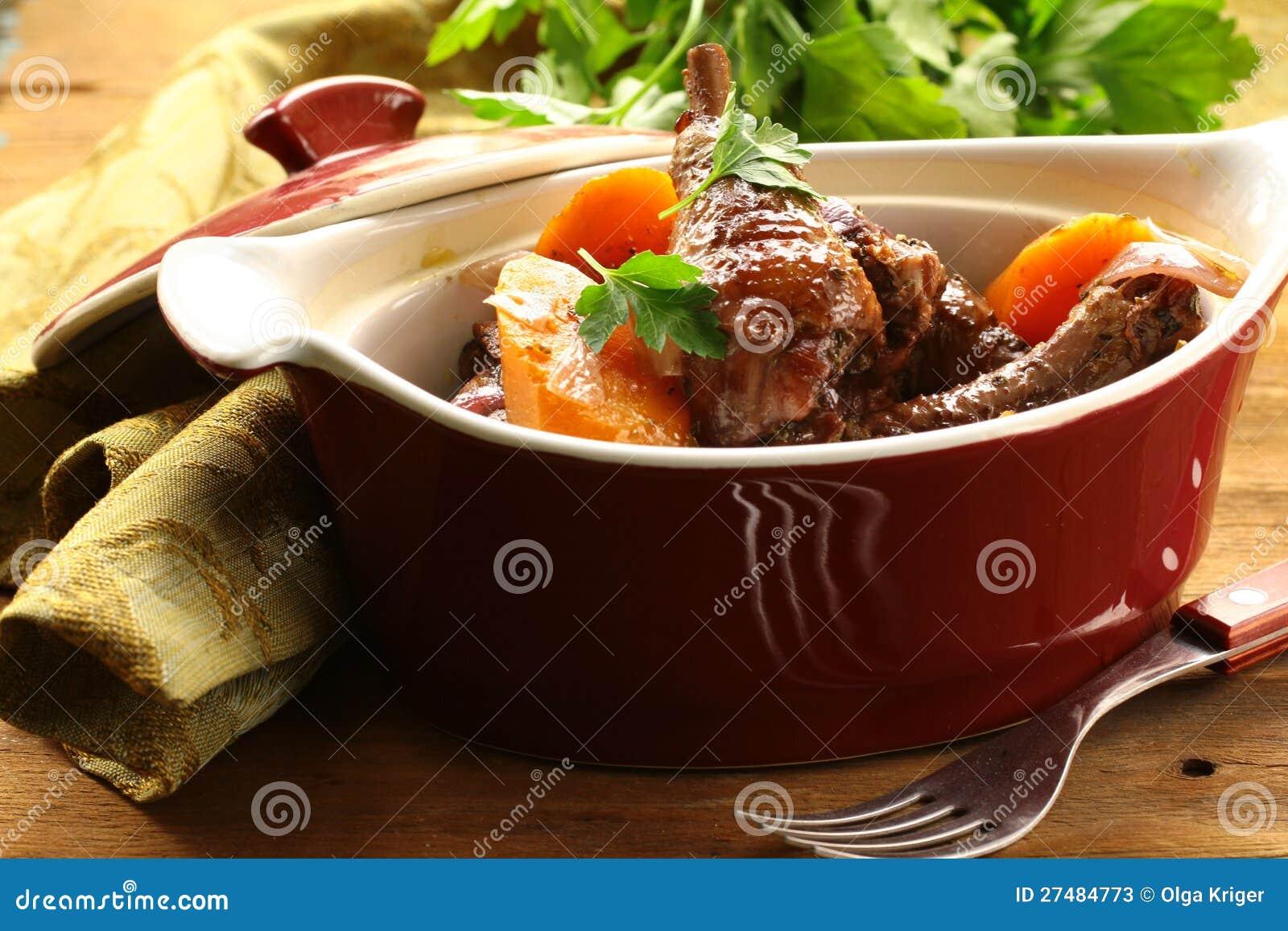 Traditionelle französische Küche - Huhn im Wein