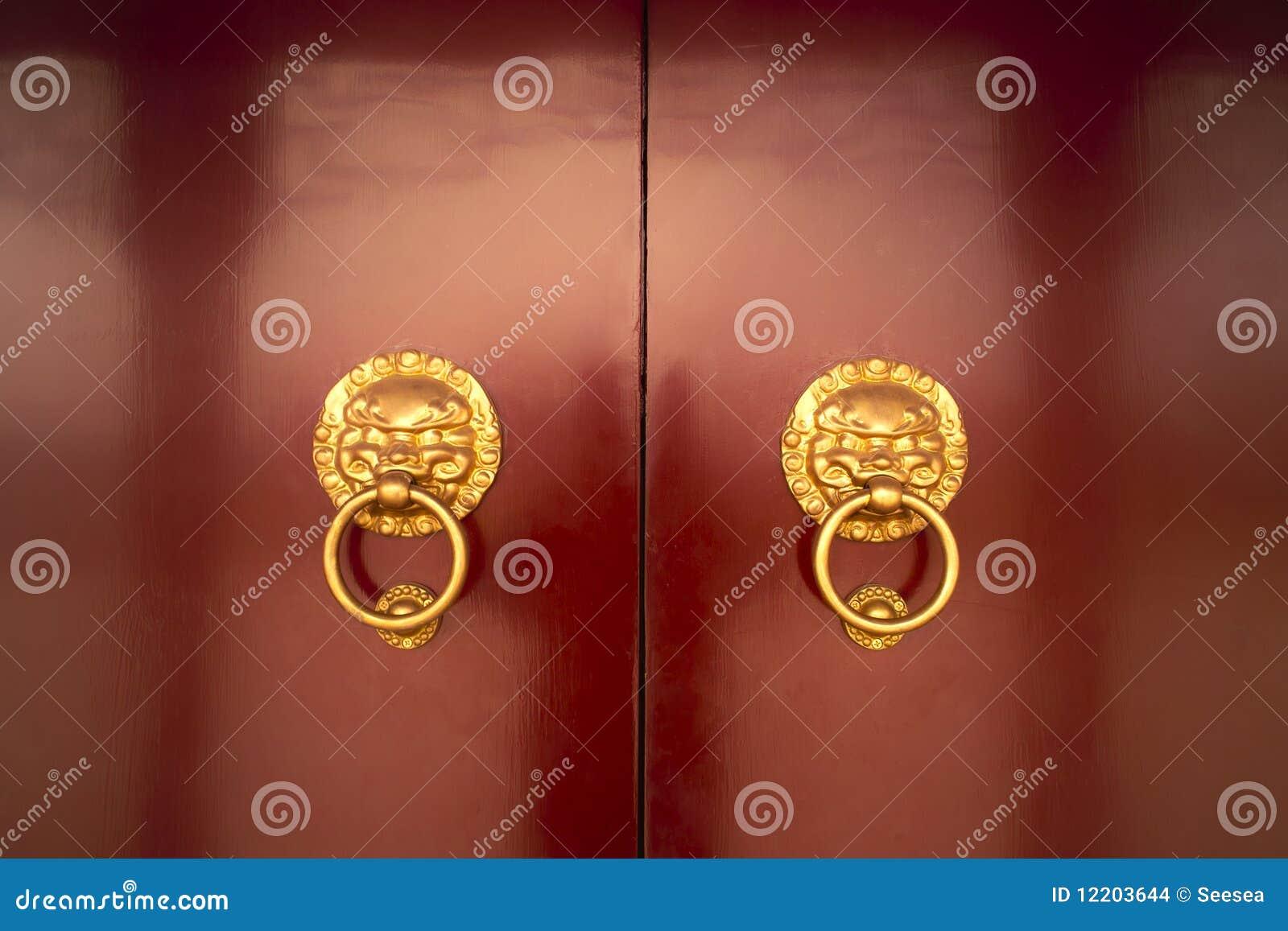 Traditionelle hölzerne Tür