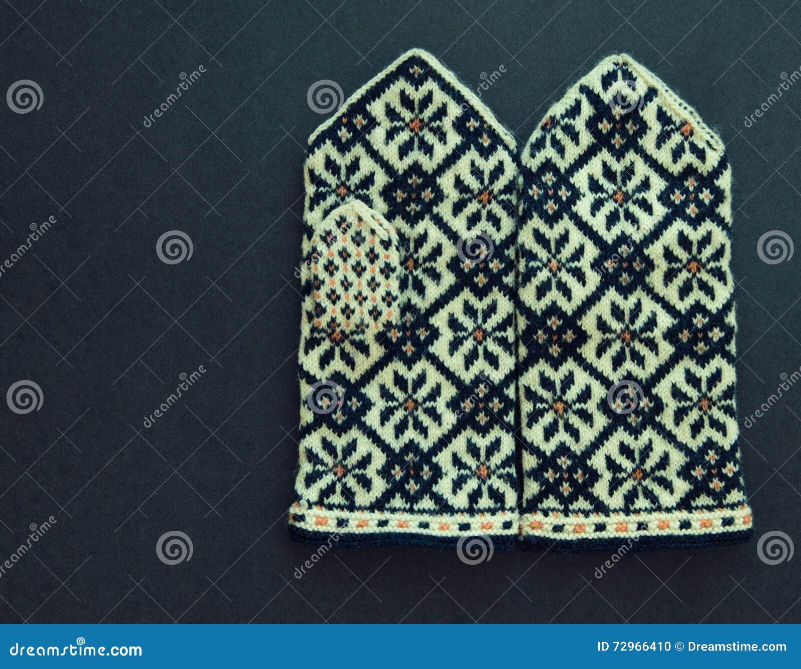 Modestil von 2019 Rabatt-Verkauf süß billig Traditionelle Lettische Handschuhe Stockfoto - Bild von ...