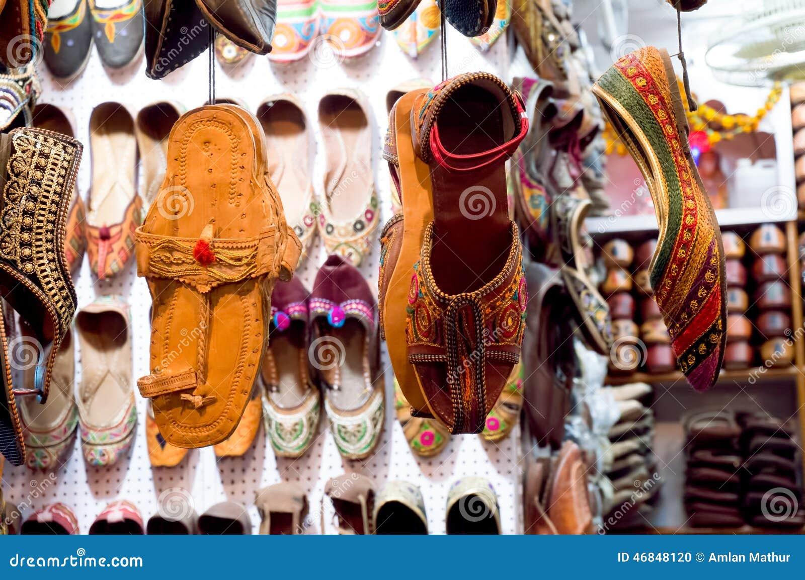 traditionelle mojari schuhe von mannigfaltigen designen stockfoto bild 46848120. Black Bedroom Furniture Sets. Home Design Ideas